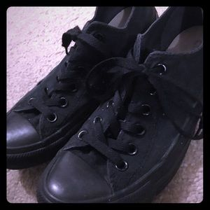 CONVERSE Low Top Women's Size 8 All Black Shoes